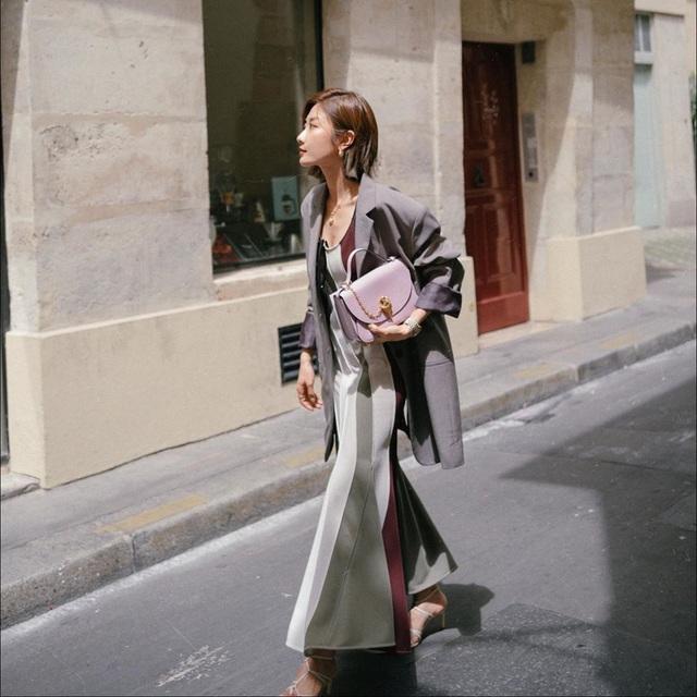 Nghĩ tưởng đơn giản nhưng không phải nàng nào cũng biết 4 mẫu áo khoác kết hợp ăn ý nhất với váy - Ảnh 4.
