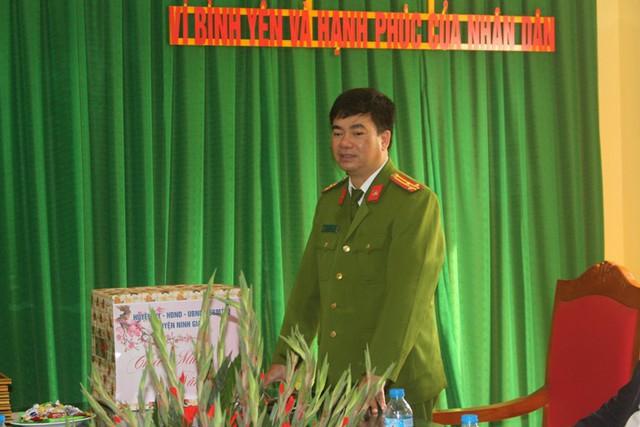 Thượng tá Hoàng Kim Thái - Trưởng Công an huyện Ninh Giang thông tin nội dung vụ việc. Ảnh: Đ.Tùy