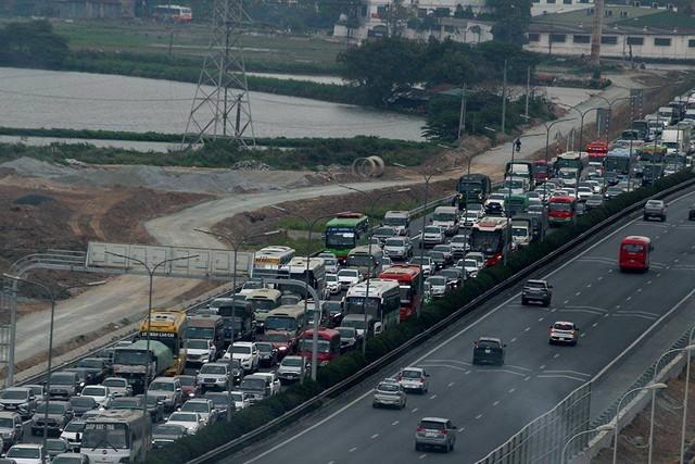 Cao tốc Pháp Vân - Cầu Giẽ ùn tắc hướng vào nội thành