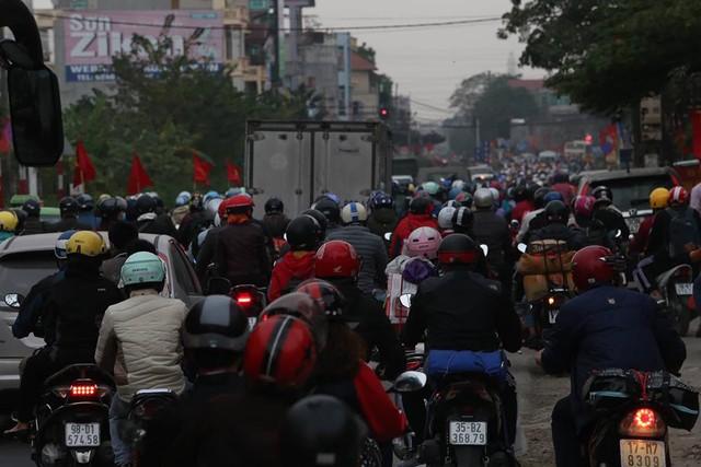 QL1A cũ đoạn qua huyện Thường Tín ùn tắc kéo dài