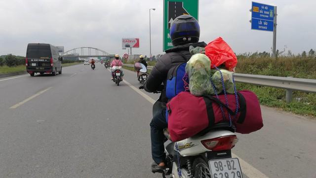 Trên cao tốc Hà Nội - Bắc Giang, đoạn qua Phù Đổng