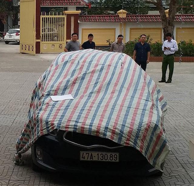 Chiếc xe do tài xế Nguyễn Quang Tuy điều khiển.