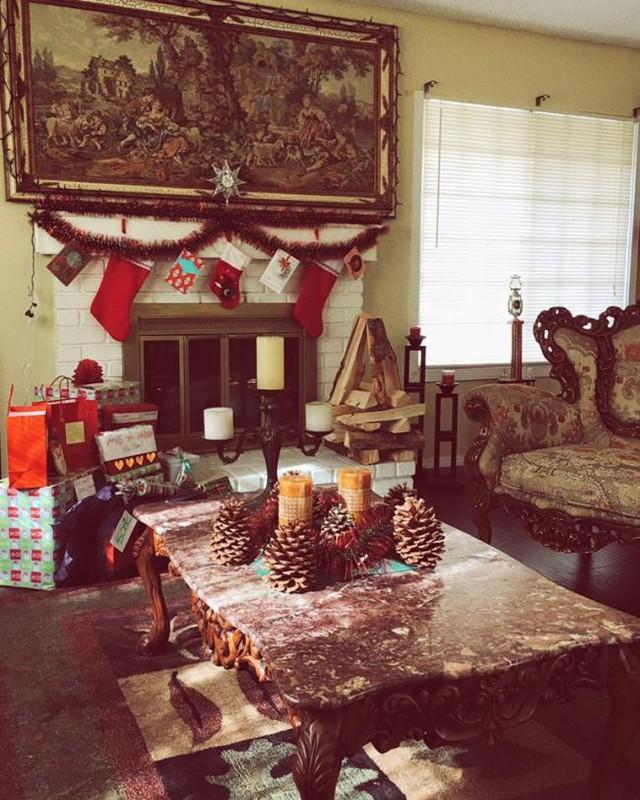 Góc phòng khách với phong cách thiết kế đậm chất châu Âu của gia đình Kim Hiền.