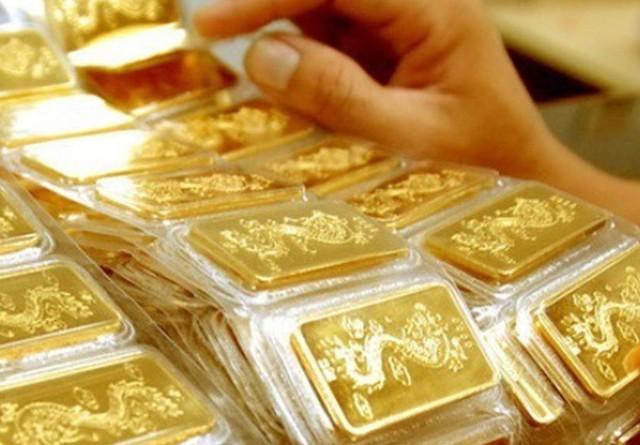 Mua vàng ngày Vía Thần Tài cần thận trọng để tránh mua phải hàng giả. ảnh Internet
