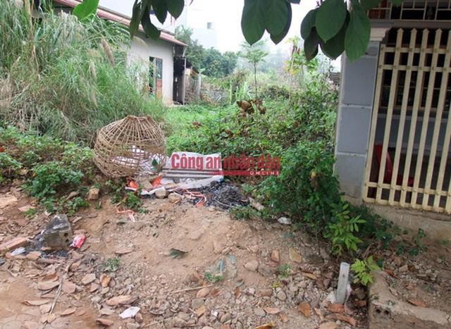 Chiếc lồng gà của nạn nhân thu được tại phường Thanh Trường, TP.Điện Biên Phủ.