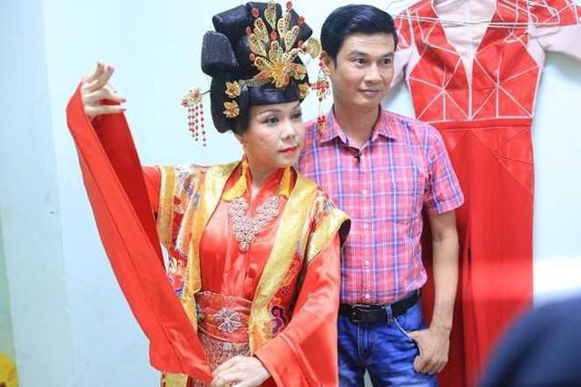 Dù không thể thành đôi nhưng Việt Hương - Tiết Cương vẫn là những người đồng nghiệp, người bạn thân thiết nhiều năm nay.