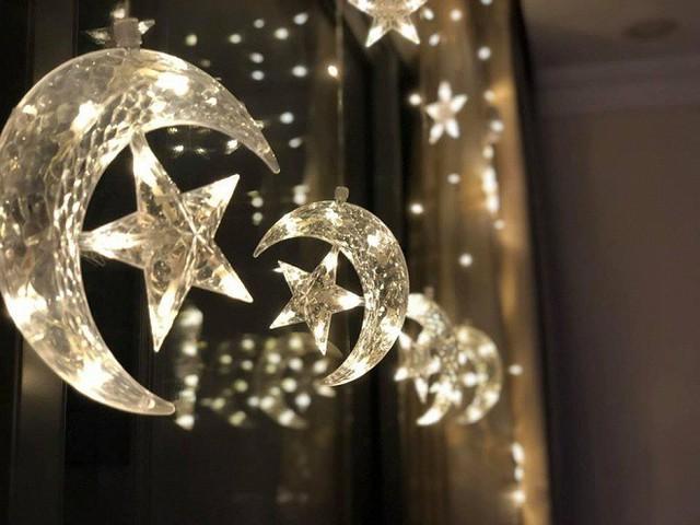 Rèm cửa lấp lánh những vì sao