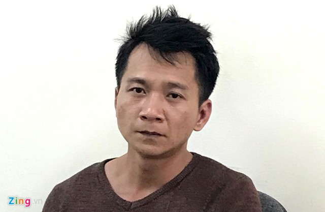 Vương Văn Hùng tại cơ quan điều tra. Ảnh: Hoàng Trung.
