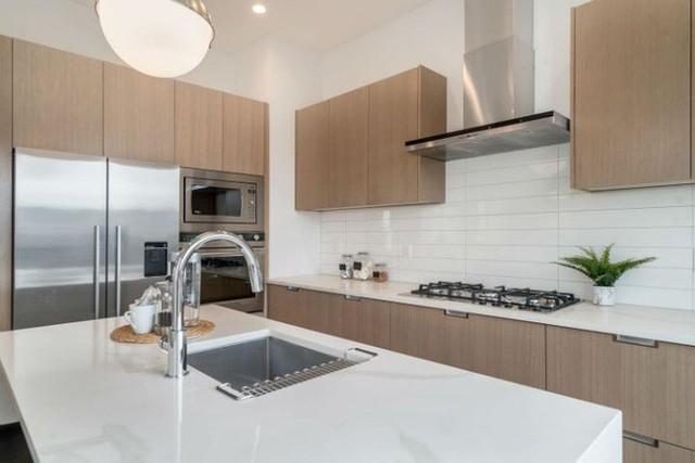 Khu vực nấu nướng ngăn nắp, gọn ghẽ.