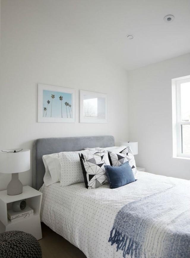 Một phòng ngủ khác xinh đẹp và hiện đại không kém.