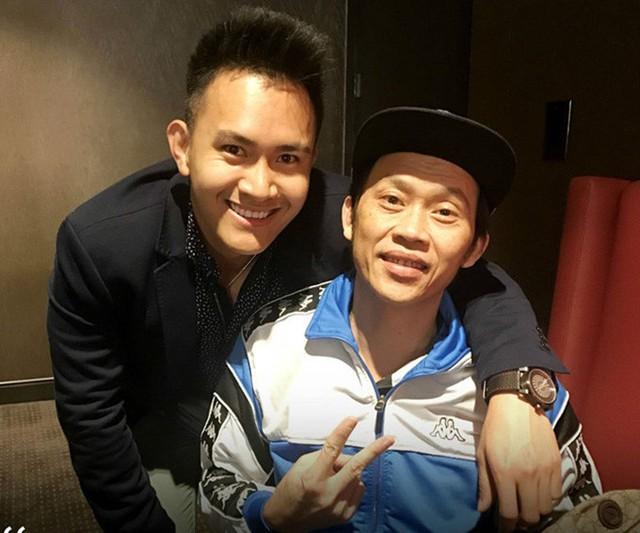 Con trai lớn của Hoài Linh tên Võ Lê Thành Vinh, sinh năm 1990. Danh hài Hoài Linh nổi tiếng là người rất kín đáo chuyện đời tư.