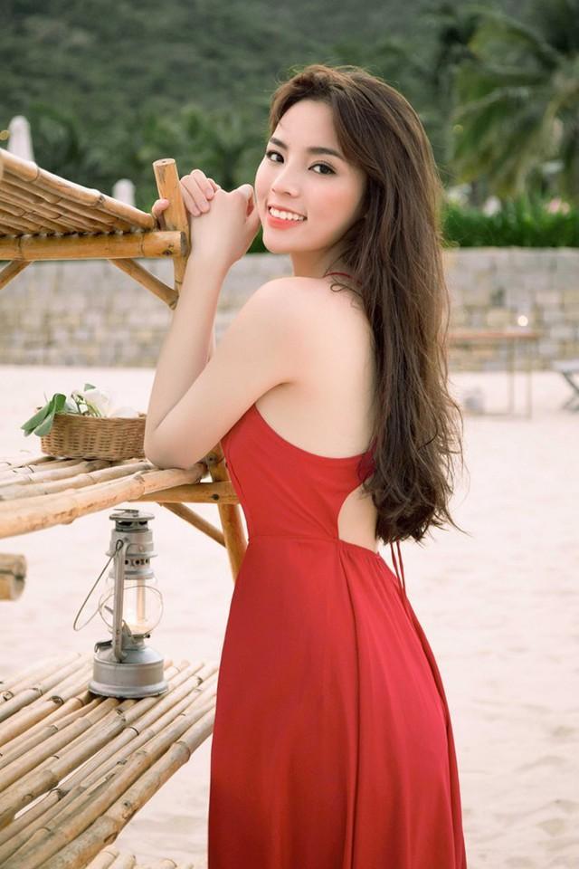 Người đẹp hiện có thân hình cân đối với số đo hình thể chuẩn.