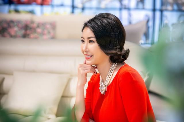 Ở tuổi 42, Hà Kiều Anh có cuộc sống viên mãn mà nhiều phụ nữ ngưỡng mộ, tổ ấm hạnh phúc với 3 nhóc tỳ (hai trai, một gái) cùng sự nghiệp kinh doanh thành công.