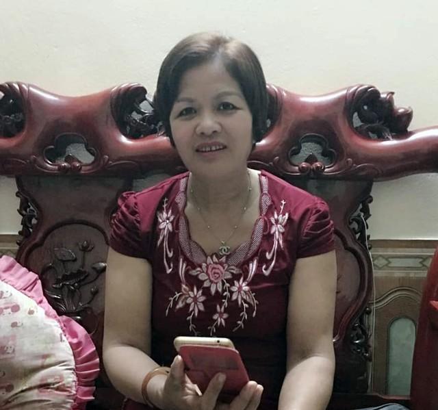 Bà Nguyễn Thị Quyên mong mỏi về cô con gái mất tích suốt 6 năm qua.