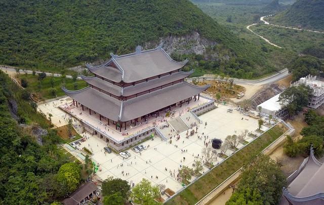 Chùa Tam Chúc (thị trấn Ba Sao - huyện Kim Bảng - tỉnh Hà Nam) đang trong quá trình xây dựng, hoàn thiện và mất đến 30 năm nữa mới xong. Sau khi hoàn thiện, chùa sẽ trở thành nơi có quần thể lớn nhất thế giới và cất giữ nhiều bảo vật của thế giới.