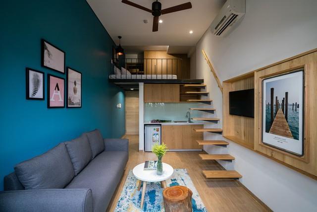 Các tầng giữa bố trí các căn hộ. Phần trước là các căn hộ có gác lửng với khu vệ sinh, bếp, phòng khách tích hợp nhỏ gọn bên dưới...
