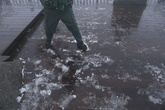 Fansipan tuyết rơi như châu Âu, chàng trai nhảy lên sung sướng
