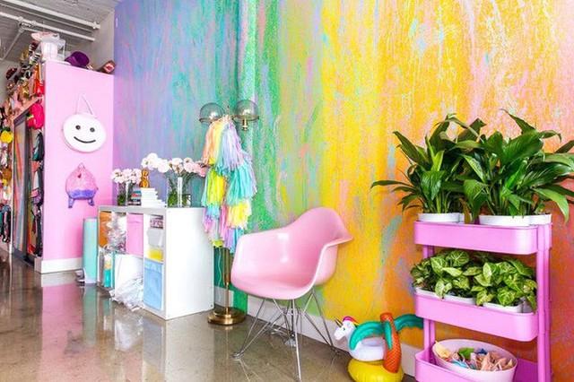 Từ việc phun màu tường, đến đồ nội thất, tất tần tật chính là cách bạn sử dụng màu sắc để phối đấy.