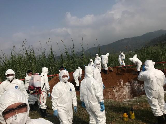 Thứ trưởng Phùng Đức Tiến chủ trì tổ chức diễn tập phòng và ngăn chặn bệnh DTLCP xâm nhiễm vào Việt Nam tại Lào Cai vào ngày 05/12/2018.