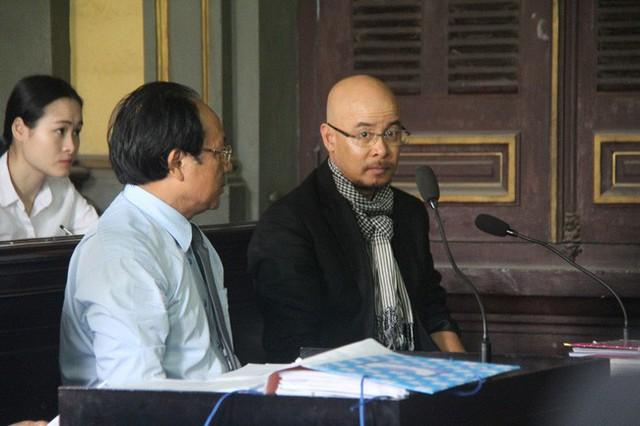 Ông Vũ không đồng ý việc rút đơn của bà Thảo, đề nghị ly hôn và cấp dưỡng