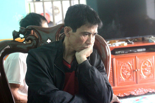 Ông Đỗ Đình Thái đau xót khi con gái gặp tai nạn thương tâm. Ảnh: Đ.Tùy