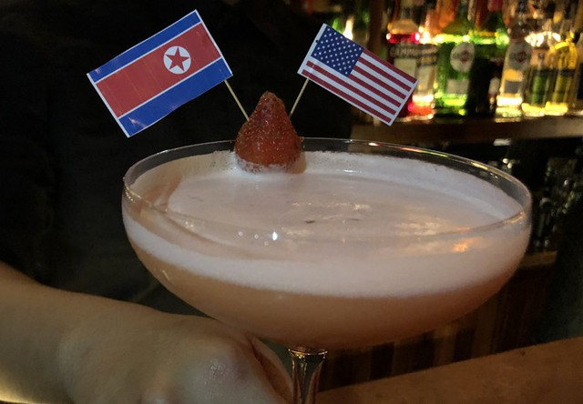 Cocktail có tên Make the world great again tại một nhà hàng ở Hàng Than. Ảnh: Anh Tú