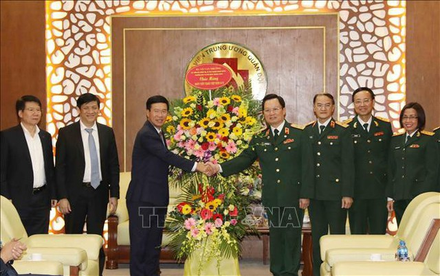 Đồng chí Võ Văn Thưởng gửi những lời chúc mừng tốt đẹp nhất đến lãnh đạo, cán bộ, chiến sĩ, nhân viên y tế của Bệnh viện Trung ương Quân đội 108 nhân ngày 27/2.