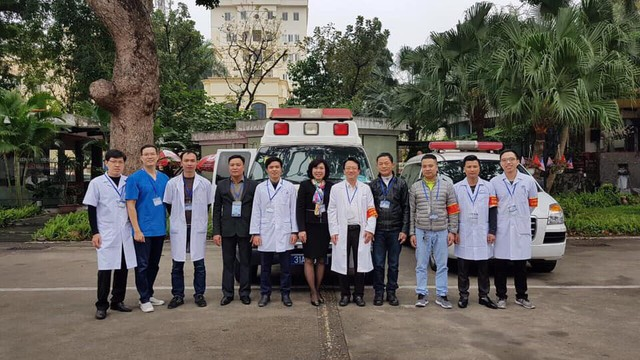 Tổ Y tế của 2 bệnh viện Xanh Pôn và Hữu Nghị phục vụ trực tại Trung tâm báo chí quốc tế