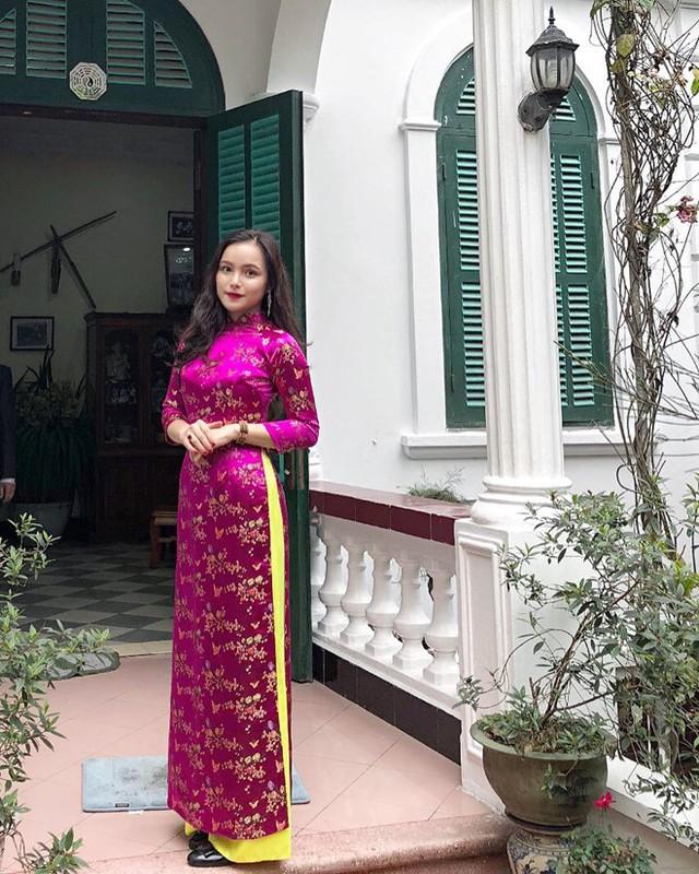 Cô từng đoạt giải Hoa khôi Nét đẹp Tràng An năm 2016