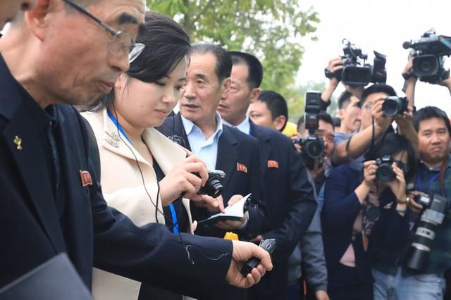 Năm 2017, bà Hyon Song-wol được bổ nhiệm vào Ủy ban Trung ương Đảng Lao động Triều Tiên.
