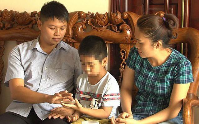 Một trong 2 em bé bị trao nhầm con ở Ba Vì (Hà Nội) năm 2012. Hai bé được trở về với bố mẹ ruột từ năm 2018.