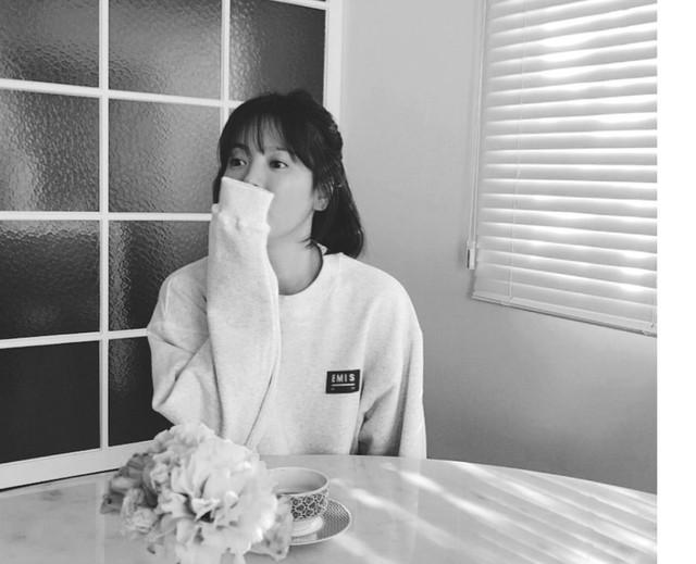 Cuộc sống hạnh phúc, ấm cúng của Song Hye Kyo bên Song Joong Ki từng khiến nhiều người xuýt xoa ghen tị.
