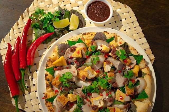 Hình ảnh quảng cáo của chiếc pizza bún đậu mắm tôm. Ảnh: P4P.