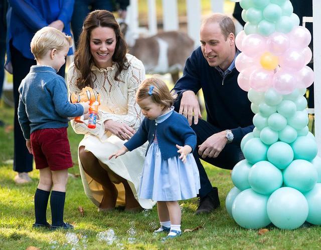 Công nương Kate và Hoàng tử William luôn muốn các con được lớn lên bình thường như bao đứa trẻ khác.