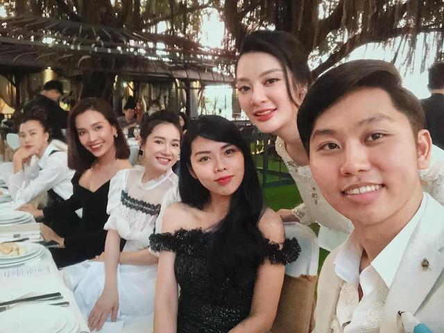 Nhã Phương diện đầm nữ tính trong tiệc cưới người bạn thân