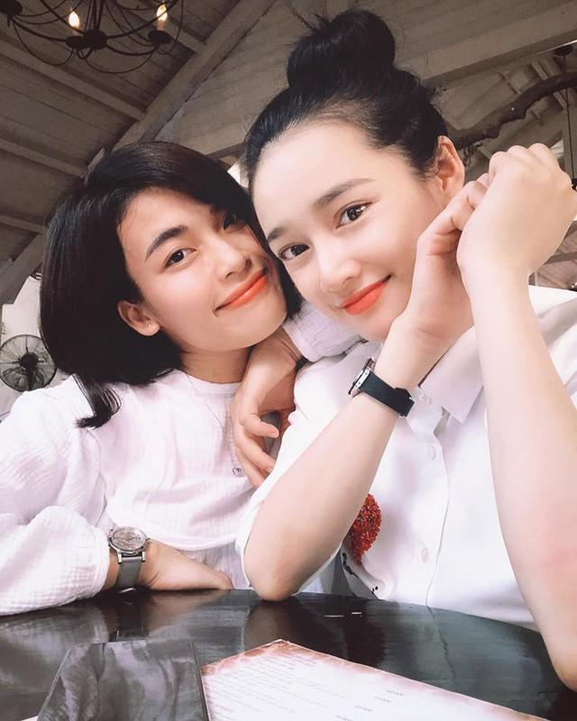Ai nấy đều khen ngợi bà xã Trường Giang xinh đẹp hơn.