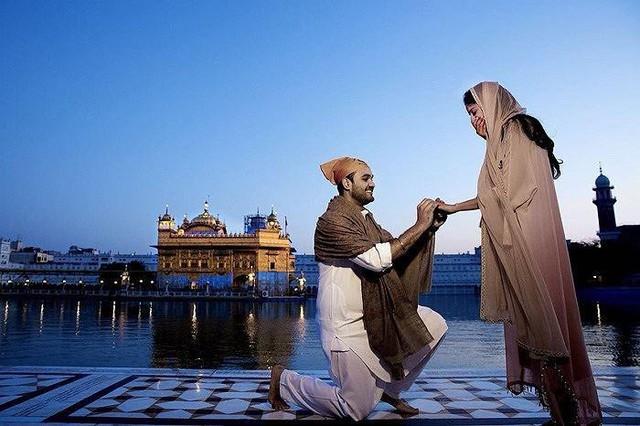 Rushang Shah từng có màn cầu hôn Kaabia Grewal lãng mạn vào năm ngoái.