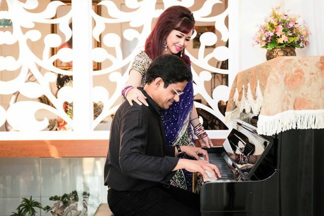 Trong căn nhà của Diệu Hoa không thể thiếu cây đàn để thỏa mãn niềm yêu thích âm nhạc của cặp vợ chồng.