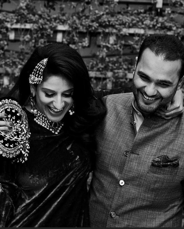 Cặp đôi Kaabia Grewal và Rushang Shah yêu nhau được gần hai năm rưỡi trước khi nên vợ thành chồng.