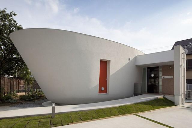 Ngôi nhà được thiết kế hình thuyền độc đáo.