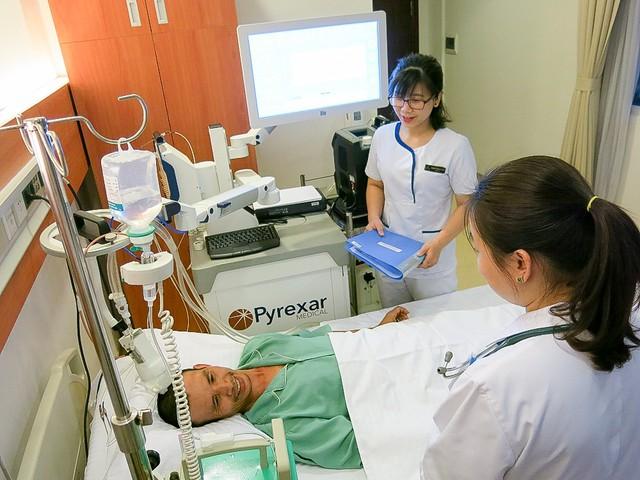 Kết quả bước đầu kết hợp liệu pháp miễn dịch và nhiệt trị hỗ trợ điều trị ung thư tại Bệnh viện Vinmec đã cho thấy người bệnh có sự cải thiện rõ rệt về kết quả điều trị và tình trạng sức khỏe, nâng cao chất lượng cuộc sống.