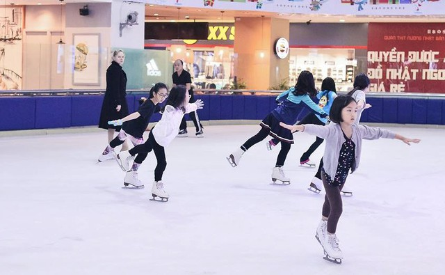 Trải nghiệm trượt băng tại sân băng Vincom giúp nhiều bạn nhỏ tìm thấy đam mê của mình