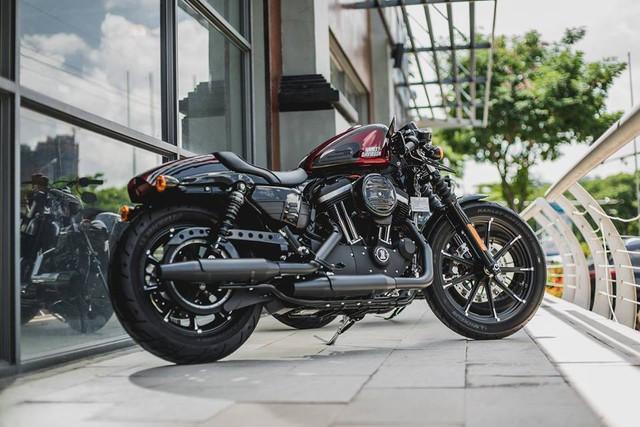 Chiếc Harley-Davidson Iron 883 phiên bản Cafe Racer giới hạn giá gần nửa tỷ đồng của đại gia Minh Nhựa.