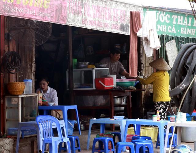 Những quán ăn bình dân đến nhà hàng cao cấp tại phố Hàm Nghi sắp tới sẽ được cơ quan chức năng kiểm soát về ATVSTP.