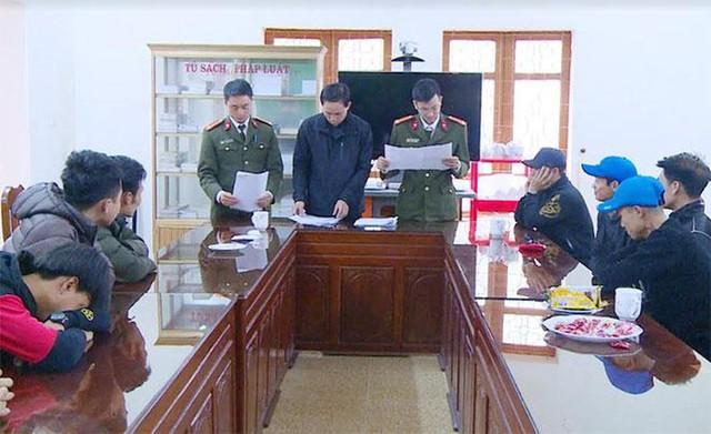 Công an Hậu Lộc vừa ngăn chặn 17 công dân chuẩn bị xuất cảnh trái phép sang Trung Quốc.