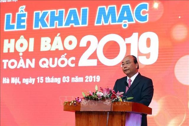 Thủ tướng Nguyễn Xuân Phúc phát biểu tại Lễ khai mạc Hội báo toàn quốc năm 2019. Ảnh: TTXVN