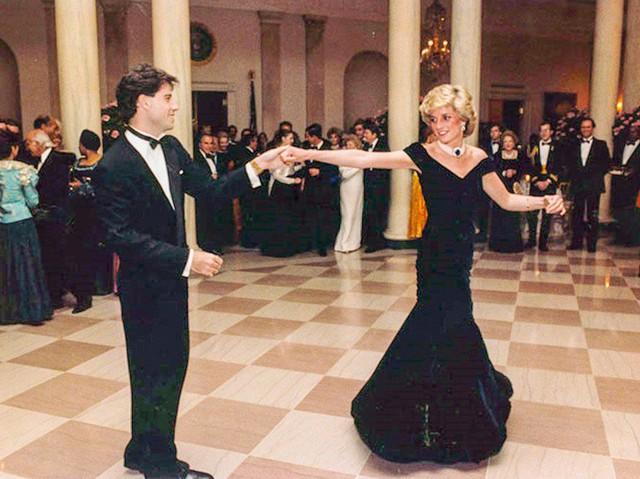 Và điệu nhảy của cô với John Travolta đã trở thành huyền thoại.