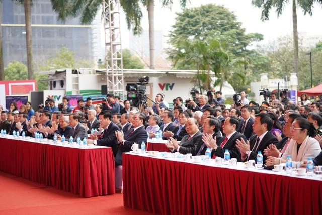 Các đại biểu dự lễ khai mạc Hội Báo toàn quốc 2019. Ảnh: VGP