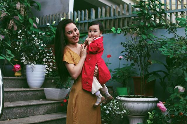 Bảo Trâm và con gái đầu lòng - bé Kem dịp Tết Nguyên đán vừa qua.