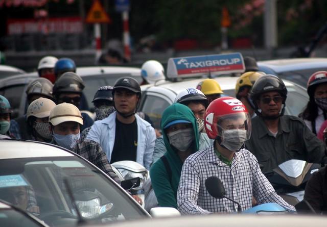 Đề xuất hạn chế phương tiện xe máy vào giờ cao điểm tại đường Giải Phóng trong thời gian tới nhằm giảm áp lực giao thông cho tuyến đường hướng về phía Nam Hà Nội.